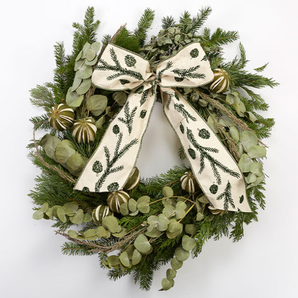 Classic Christmas Wreath smell gorgeous Christmas Wreath green bow